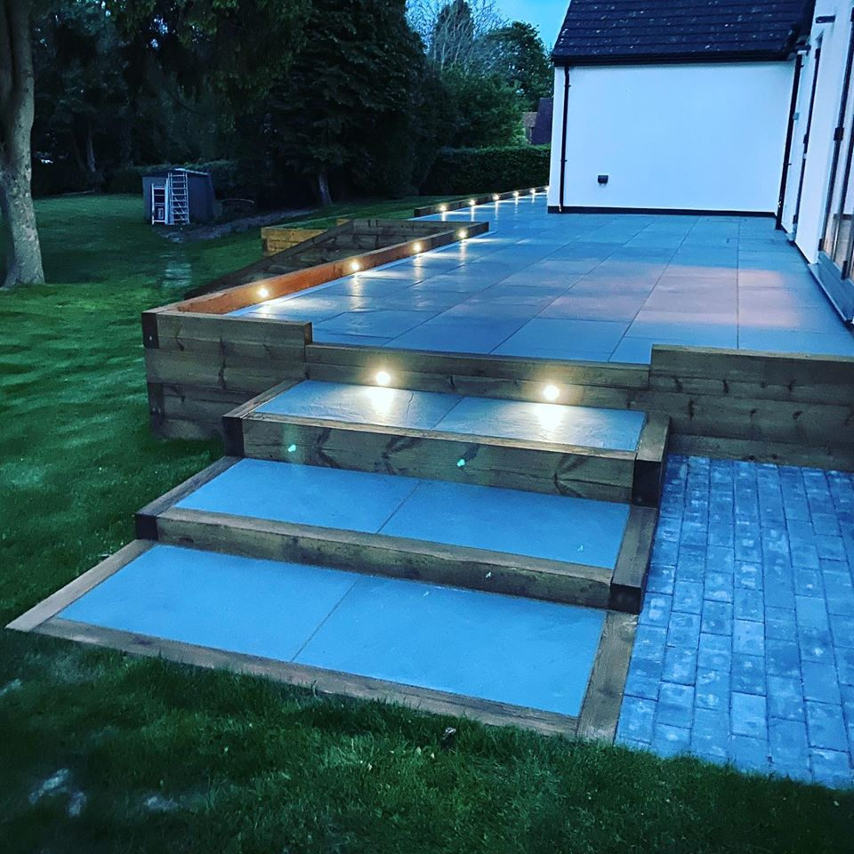 Garden landscaping from builder in Hemel Hempstead